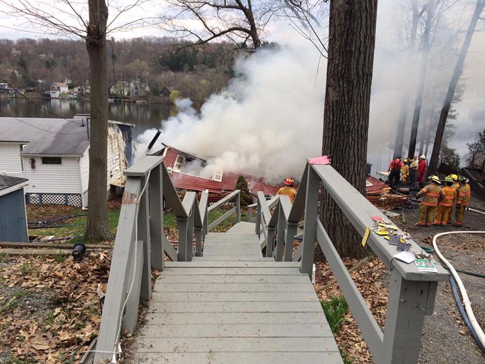Kinderhook NY Lake fire